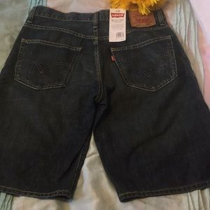 NWT MENS LEVI'S 569 BELOW THE KNEE JEAN SHORTS